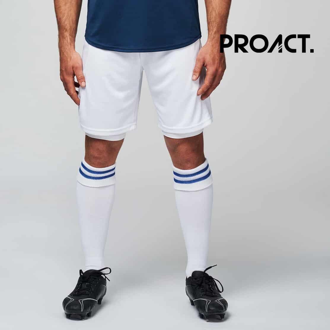 Uomo con pantaloncini da calcio bianchi 100% poliestere