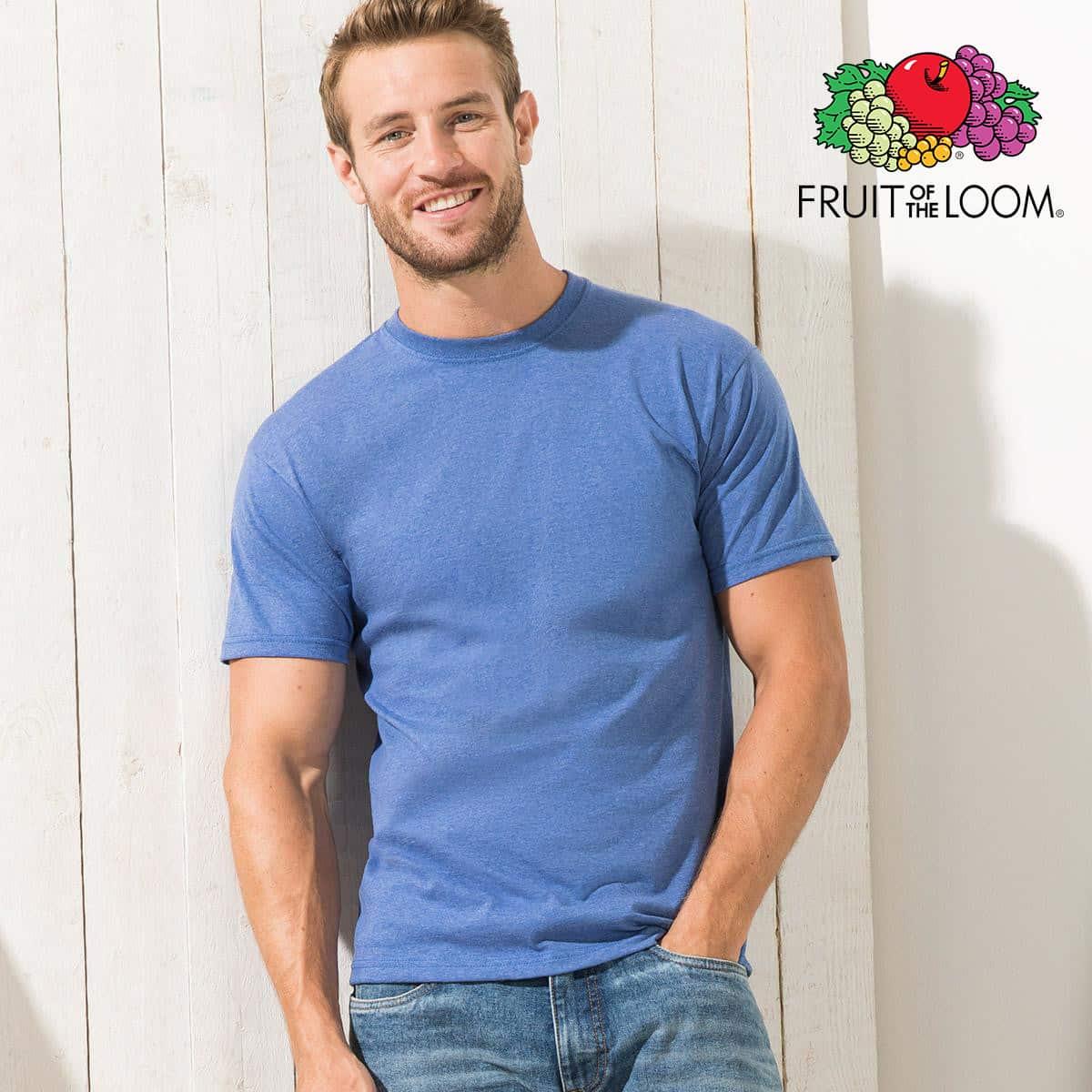 Ragazzo con tshirt in cotone manica corta e girocollo di colore blu