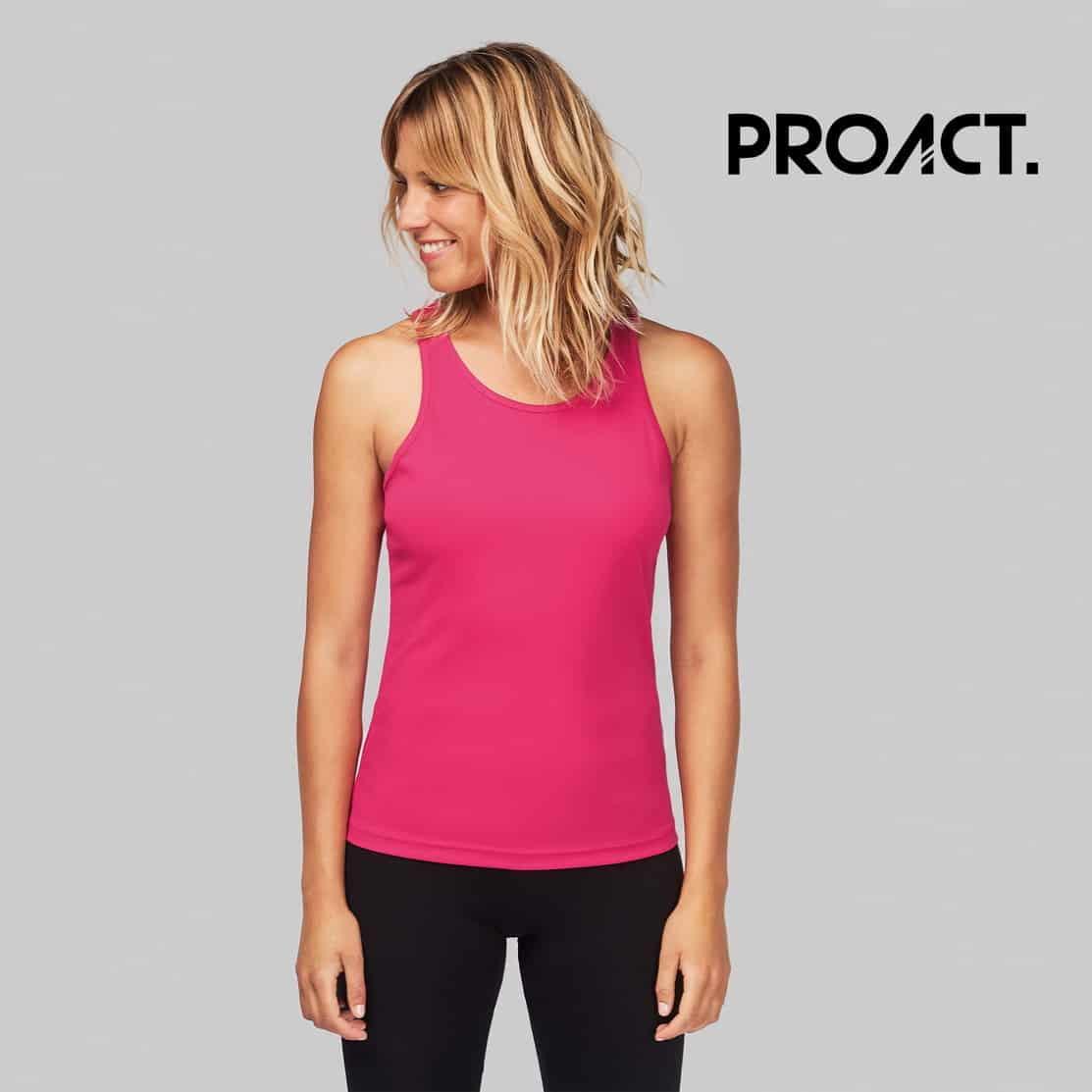 Donna con canotta sportiva rosa 100% poliestere