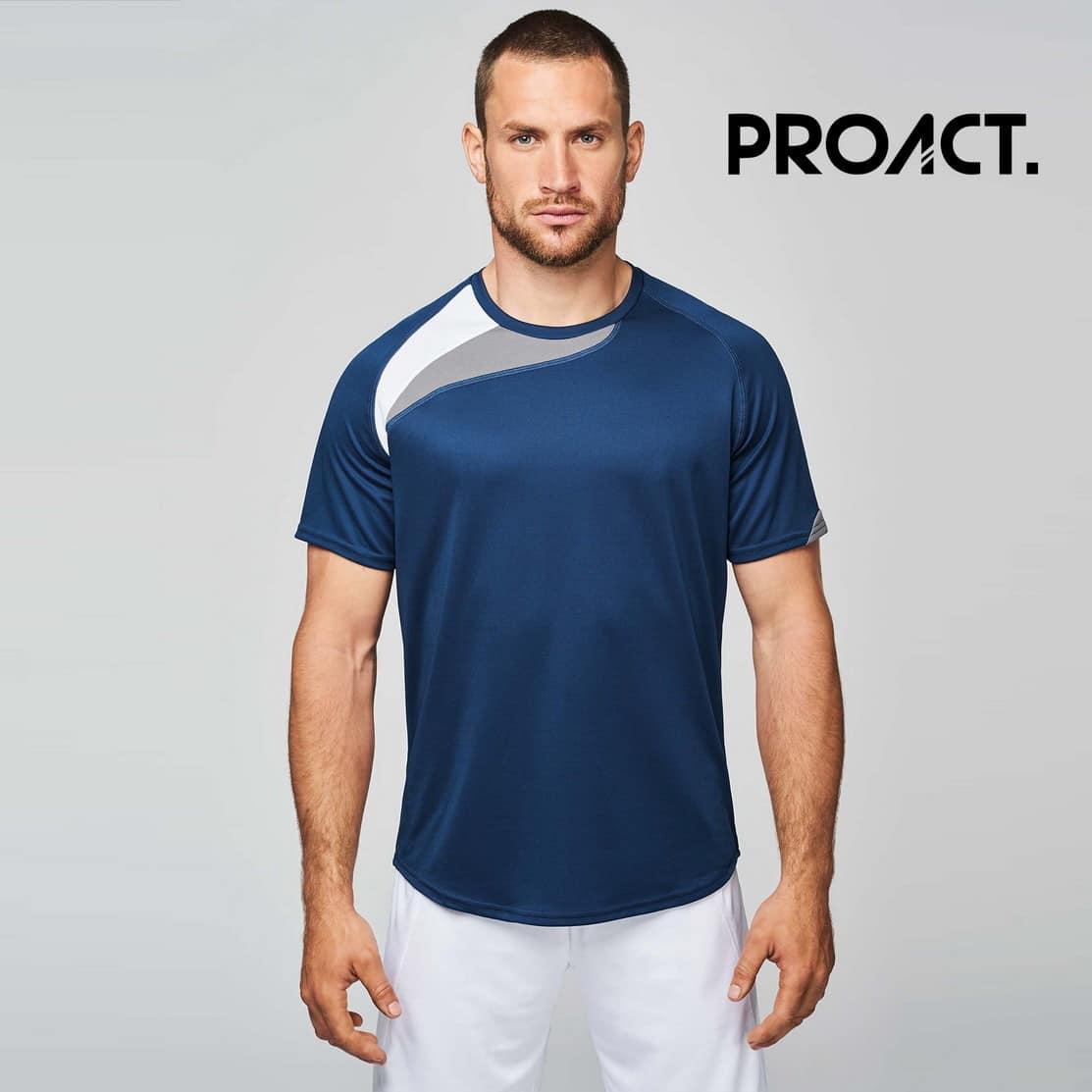 Uomo con maglietta da calcio blu 100% poliestere