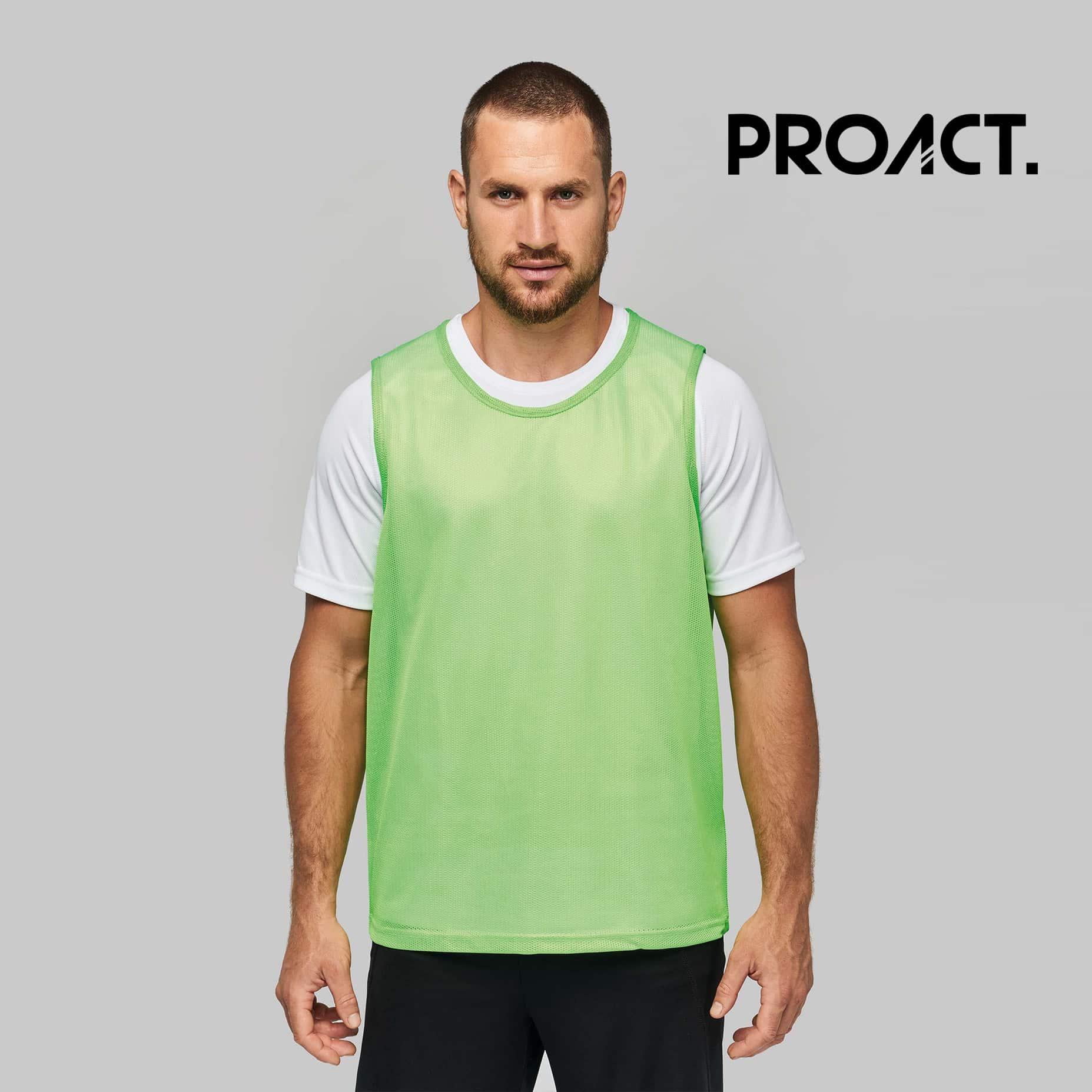 Uomo con pettorina verde 100% poliestere con rete perforata