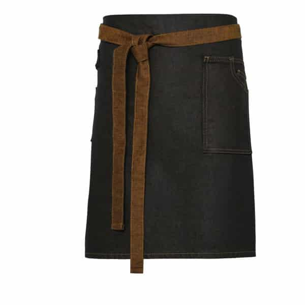Grembiule di jeans nero con cintura marrone annodata
