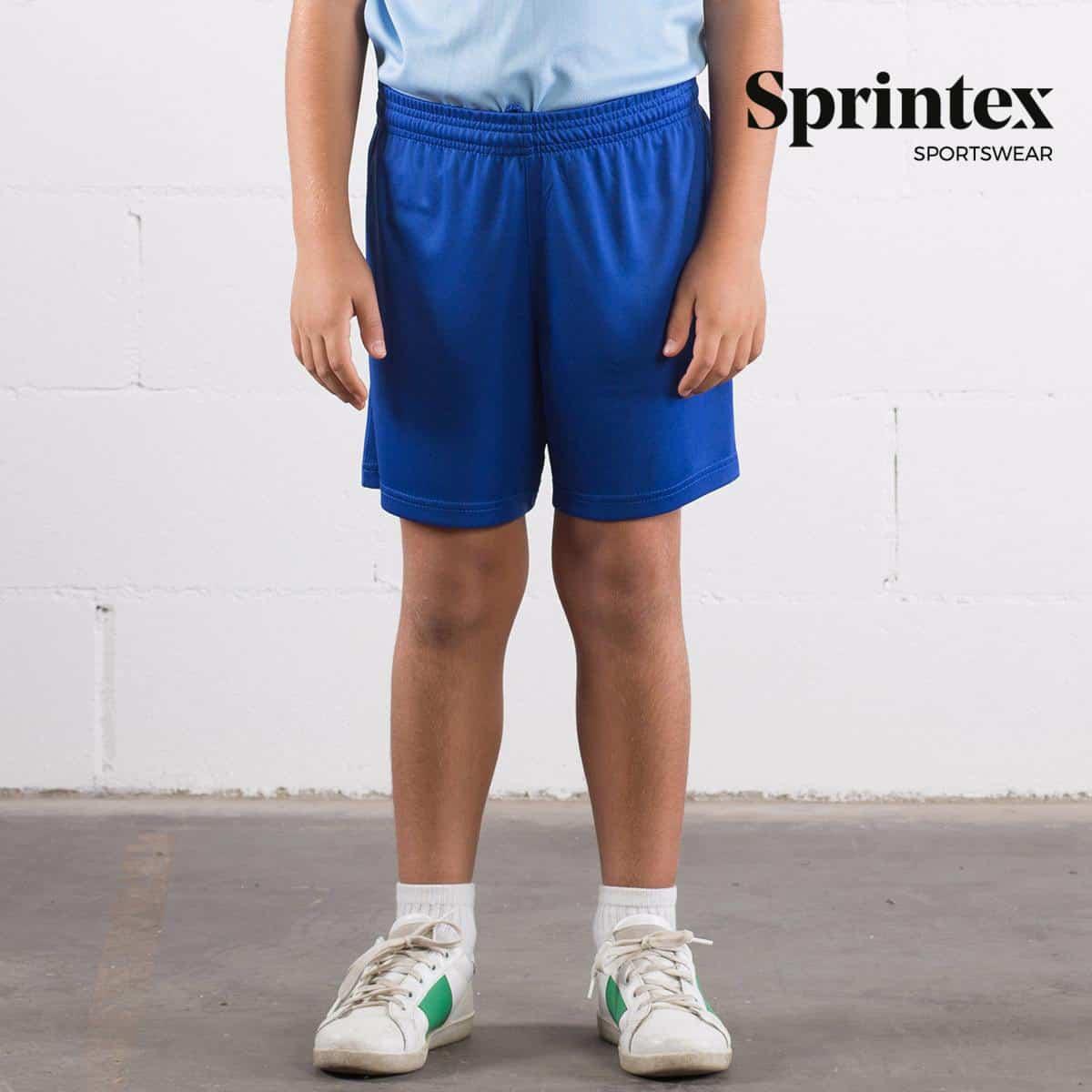 Bambino con pantaloncino blu con elastico in vita 100% poliestere